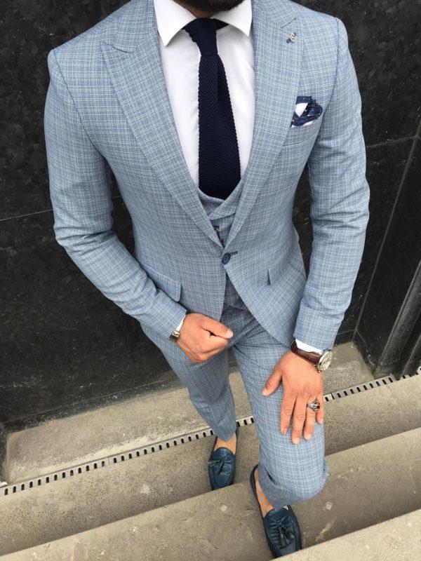 costume gris adriano avec cravate et chaussures bleu
